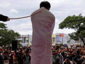 Brunei Laksana Hukum Rejam LGBT