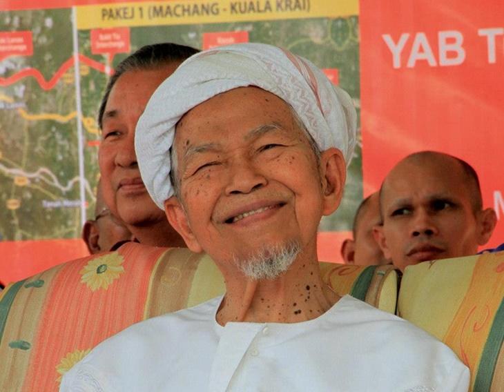 Tok Guru Nik Aziz 2