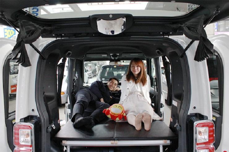 Jepun sewa kereta untuk tidur
