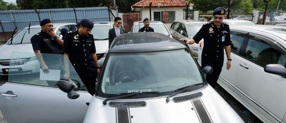 Lelaki Borong 10 Kereta
