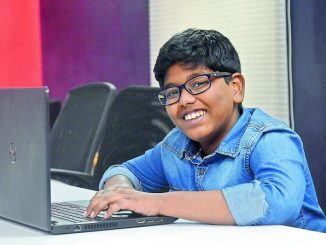 Kanak-Kanak Umur 12 Tahun Saintis Data