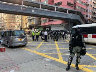 Polis Hong Kong Tembak Penunjuk Perasaan