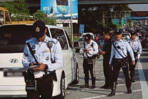 Polis Berhak Semak Telefon Awam