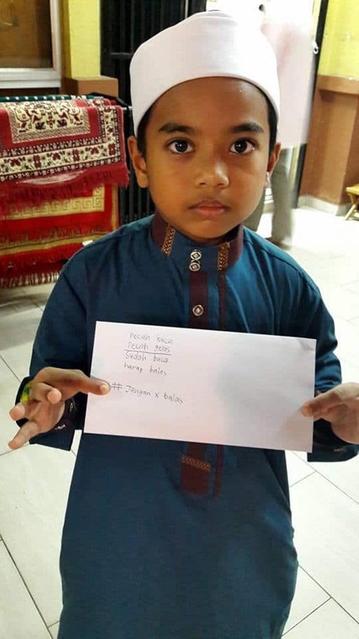 Dihalau Dari Saf hadapan Kanak Kanak Ini Hantar Surat Kepada Pengerusi Masjid