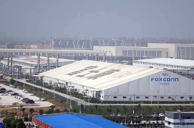 Sisi Gelap Operasi Kilang iPhone Foxconn