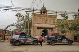 Ditahan Polis Kerana Solat Tanpa Permit Di Xinjiang