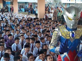 Ultraman Sambut Pelajar Tahun 1