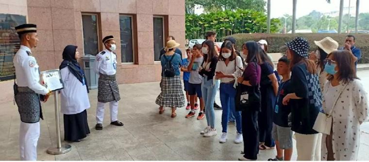 Masjid Putra Dibuka Semula Koronavirus