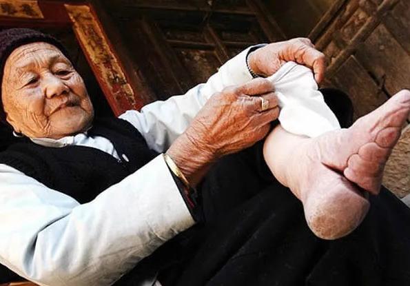 Tradisi China Kekejaman Pada Wanita