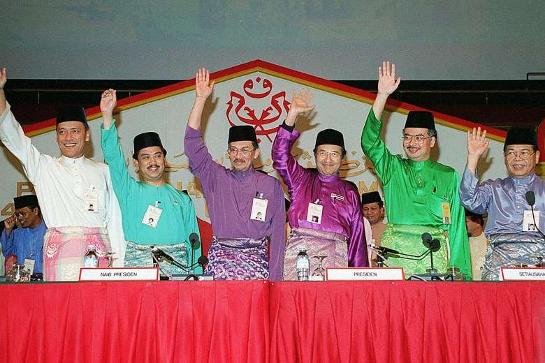 2 Muhyiddin Yassin Perdana Menteri Ke-8