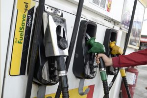Harga Minyak Turun Mendadak Jejas Ekonomi Malaysia