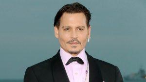 Johnny Depp Bawa Watak Joker 1