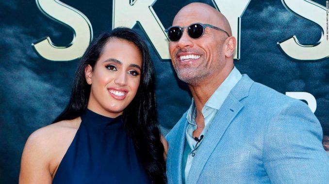 Anak Perempuan The Rock Jadi Ahli Gusti WWE