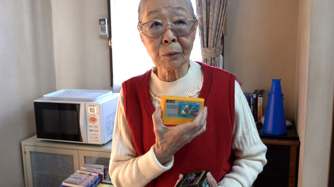 Nenek 90 Tahun Terima Pengktirafan Guinness World Records Sebagai 'Youtuber Game' Tertua Di Dunia