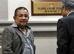 Bekas Pengerusi FELDA, Isa Samad Dilepas Dan Dibebaskan Daripada Pertuduhan Pecah Amanah