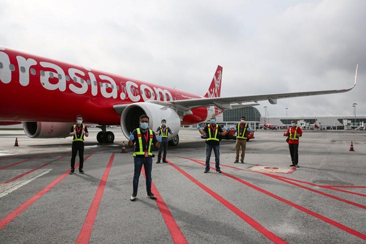 Giliran AirAsia Buang Pekerja Untuk Kecilkan Operasi