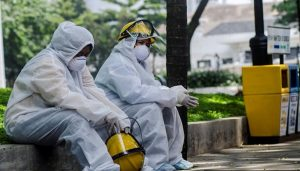Hospital Indonesia Terpaksa Tingkatkan Kawalan Keselamatan Selepas Ramai Keluarga Larikan Mayat Mangsa COVID-19 1