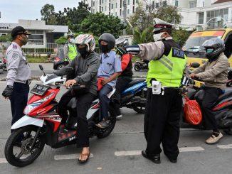 Kes Positif Cecah Lebih 50 Ribu, Rakyat Indonesia Masih Degil Tidak Patuhi SOP Penjarakan Sosial