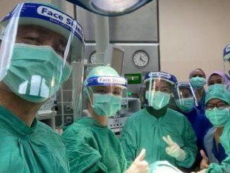 Tiada Lagi Sidang Media COVID-19 Mulai Minggu Hadapan, Dr Noor Hisham Sempat 'Curi' Masa Lakukan Pembedahan Pesakit