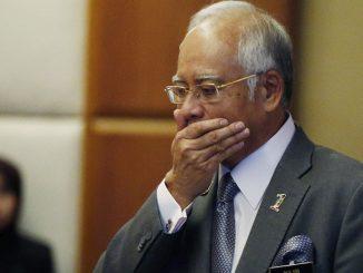 Didenda Penjara 12 Tahun Dan RM210 Juta, Najib Razak Lafaz Sumpah Laknat Depan Hakim