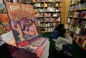 Jualan Buku JK Rowling Merudum Teruk Selepas Kritik Kelompok 'Wanita Transgender' 1