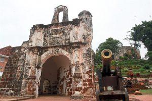Sejarah Kota A Famosa Yang Dibina Daripada Batu Masjid Dan Batu Nisan 1