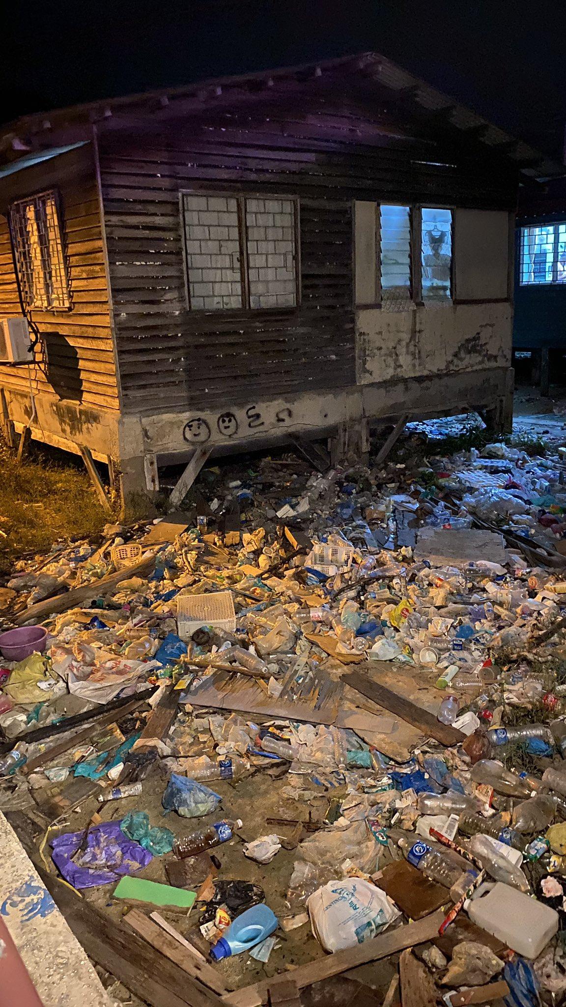 Menghampiri PRN, Gambar Perkampungan Pulau Sabah Penuh Sampah Tarik Perhatian Netizen 3