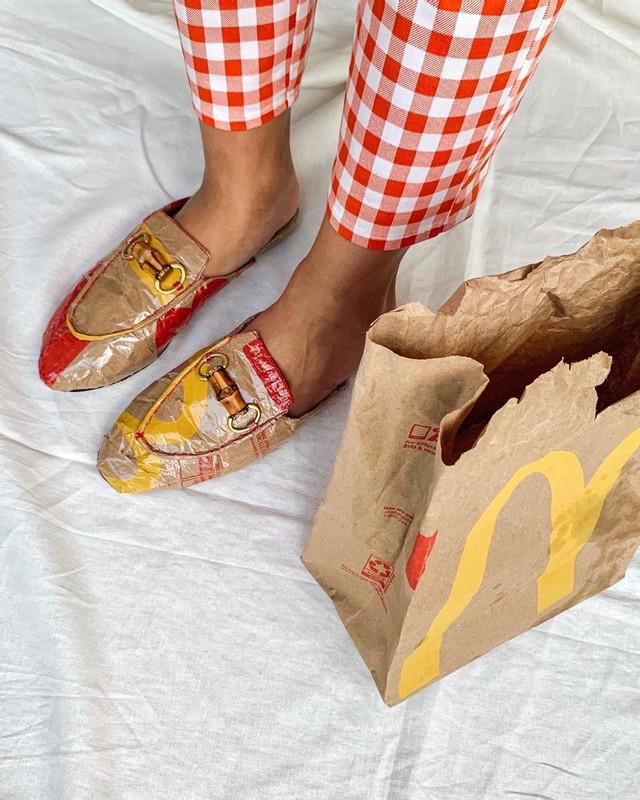 Dapat Idea Masa Makan Nuget, Pelajar Ini Kreatif Hasilkan Item Fesyen Daripada Plastik Bungkus Makanan