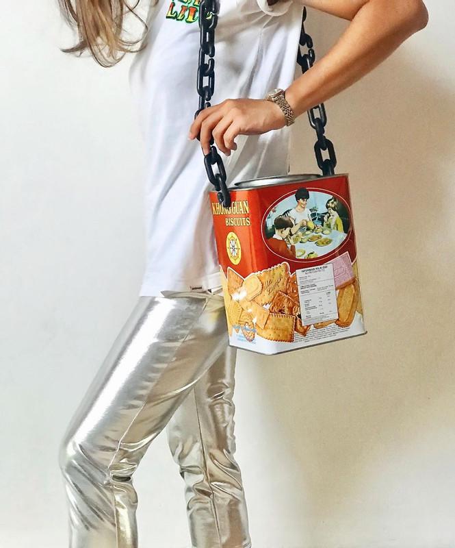 Dapat Idea Masa Makan Nuget, Pelajar Ini Kreatif Hasilkan Item Fesyen Daripada Plastik Bungkus Makanan 2