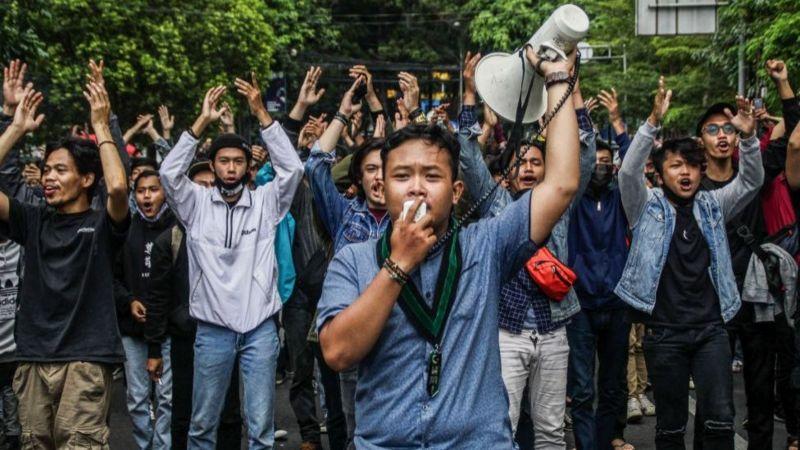 3 Sebab Utama 'Omnibus Law' Di Indonesia Cetus Protes Secara Besar-Besaran