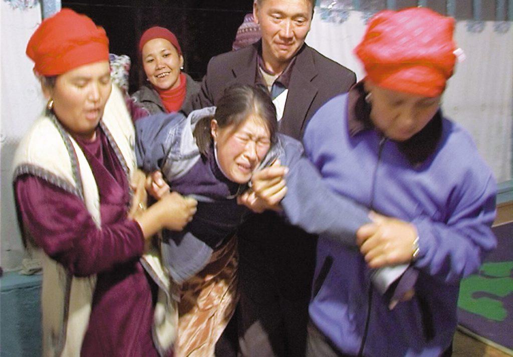 Culik Wanita Untuk Dijadikan Isteri, Adat Pelik Ini Masih Jadi Amalan Orang Kyrgyzstan 1
