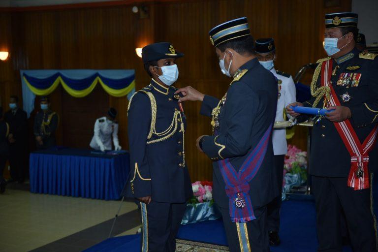 Lt Lohappriya, Wanita India Malaysia Pertama Bergelar Juruterbang TUDM 1