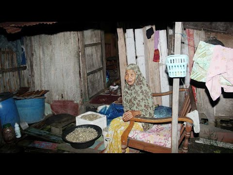 15 Tahun Hidup Dalam Pondok Usang Tanpa Dapur Dan Tandas, Kehidupan Serba Daif Warga Emas Ini Undang Simpati 1