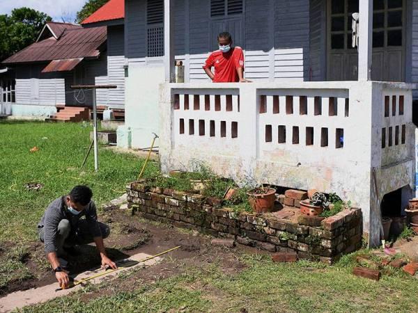 Batu Nisan Dinasti Qing Ditemui Di Rumah Bekas Menteri Besar Pahang 3