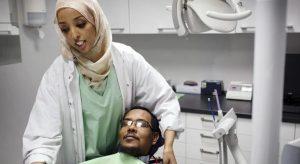 Dikecam Kerana Iklan Pilih Pekerja Muslim Yang Jaga Solat, Ini Jawapan Pengarah Eksekutif Dental Republik