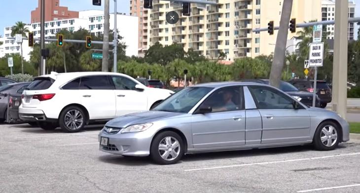 Lihat Apa Lelaki Ini Lakukan Selepas Disaman Kerana Parkir Secara 'Back-In' 1
