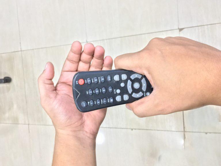 Ketuk Remote TV Kembali Berfungsi