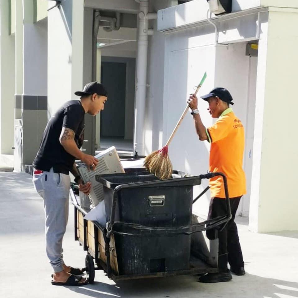 Gaji Cleaner Singapore 1