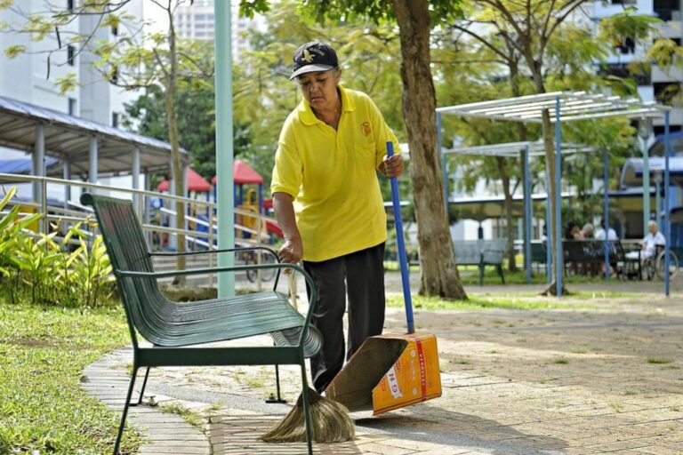 Gaji Cleaner Singapore 2