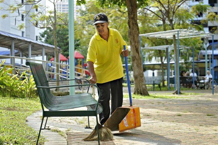 Gaji Cleaner Singapore 2