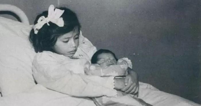 Lahirkan Anak Ketika Usia 5 Tahun, Hingga Kini Kisah Ibu Termuda Dalam Sejarah Masih Lagi Jadi Misteri