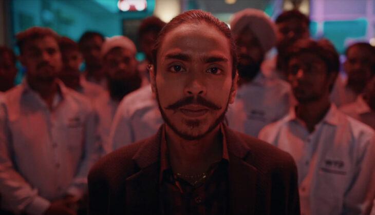 'The White Tiger' Papar Sisi Gelap Sistem Kasta Di India