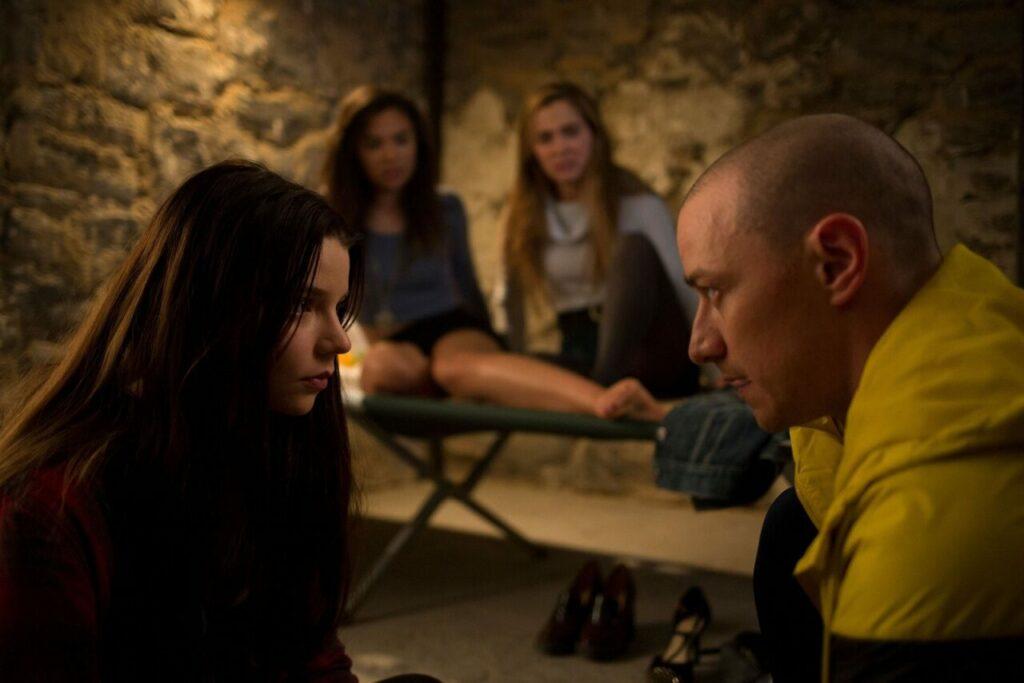 23 Personaliti Berlawan Untuk Dominasi Badan, Filem 'Split' Penuh Suspen 1