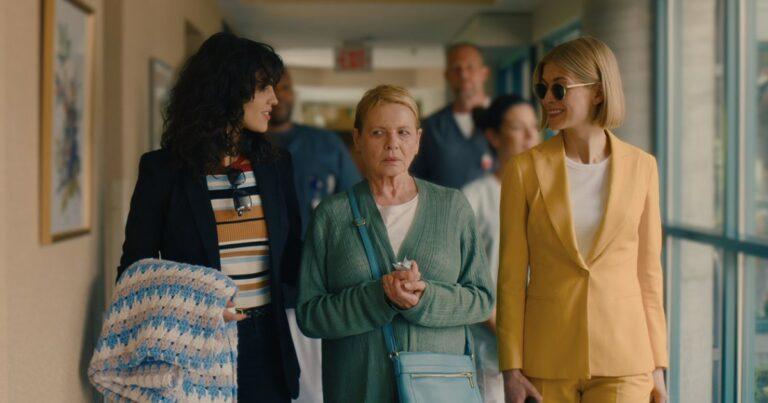 'I Care A Lot' Filem Psiko Amerika Yang Tengah Trending Di Netflix 1