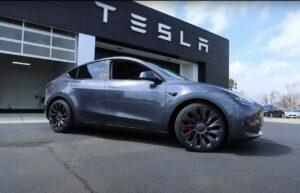 Kereta Tesla Model Y Hilang Daripada Laman Web Selepas Tawaran Diskaun Lebih RM8,000 1