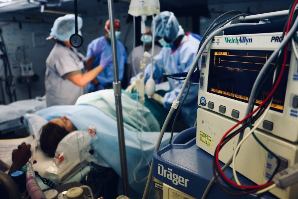 Lelaki Ini Dakwa Sudah Lakukan 70,000 Pembedahan Sepanjang 10 Tahun Bergelar Pakar Bedah Palsu 1