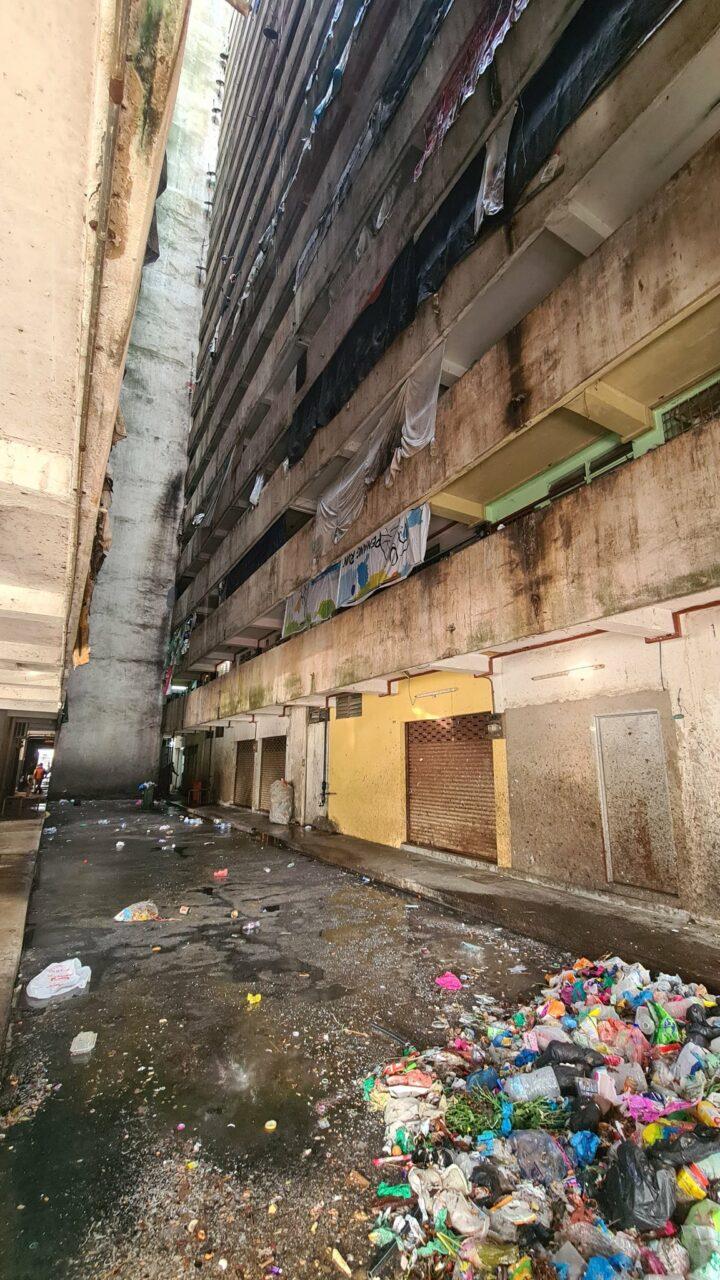 Penuh Sampah & Berbau Busuk, Flat Di Penang Ini Digelar Sebagai Yang Paling Kotor 2