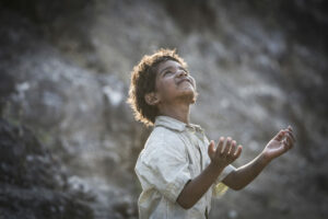 Filem 'Lion' Penuh Babak Air Mata Buat Penonton Terkesan 7