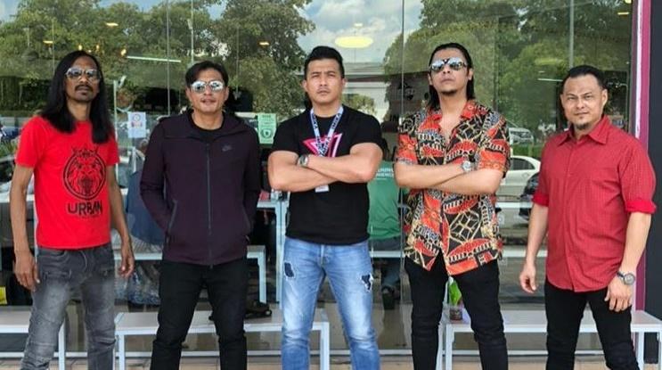Muat Naik Gambar Bersama Lejen 'KL Gangster', Peminat Harap Adanya 'KL Gangster The Finale'