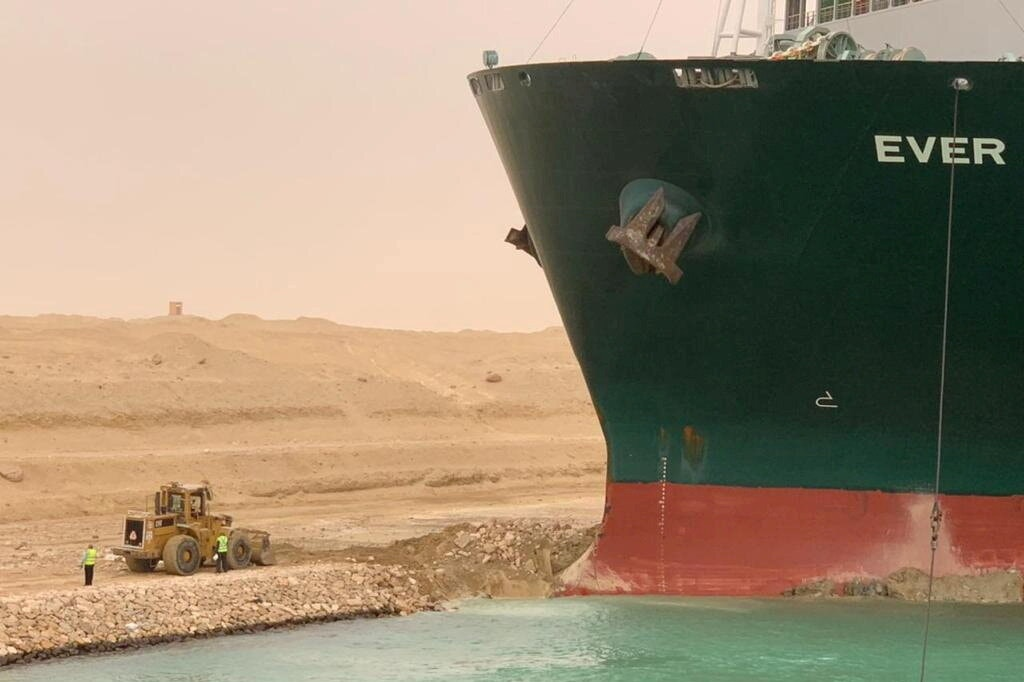 Perdagangan Dunia Terjejas Selepas Kapal Kargo 200 Ribu Tan Tersekat Di Terusan Suez 8